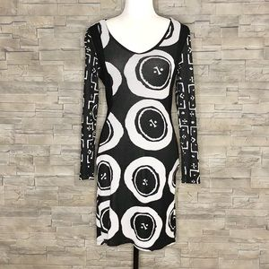 Desigual black and white knit dress